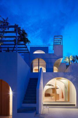Ngôi nhà đẹp lung linh khi màn đêm buông xuống.
